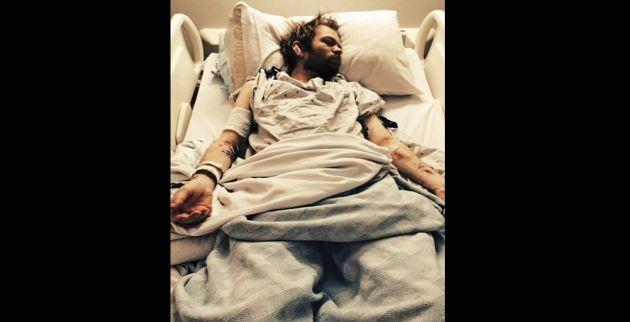 Μία από τις φωτογραφίες, μέσα από το νοσοκομείο, που δημοσίευσε ο Ντέρικ Γουίμπλεϊ