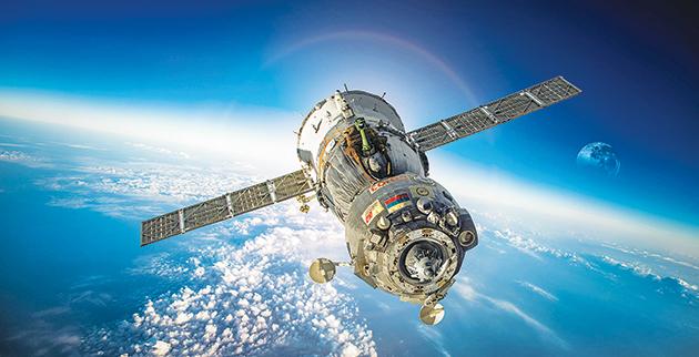 23_f5_soyuz-spacecraft-spaceship-soyuz-open-space-russia