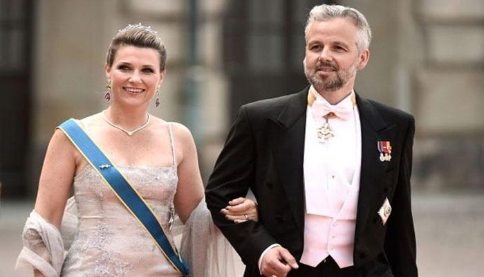 Η πριγκίπισσα Μάρθα Λουίζα με τον Αρι Μπεν τη μέρα του γάμου τους