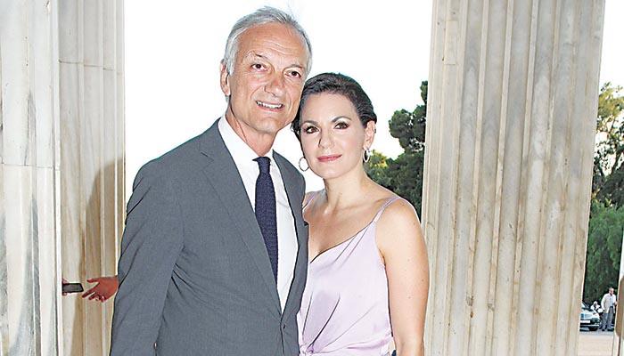 Η Ολγα Κεφαλογιάννη με τον σύζυγό της Μάνο Πενθερουδάκη