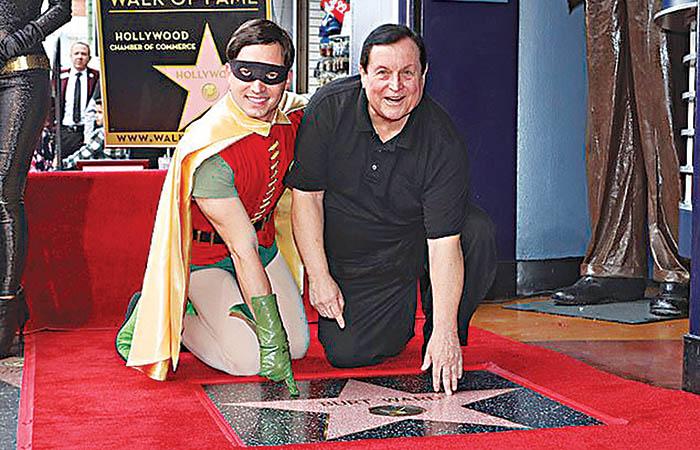 Ο Μπαρτ Γουόρντ με το δικό του αστέρι στη λεωφόρο της Δόξας