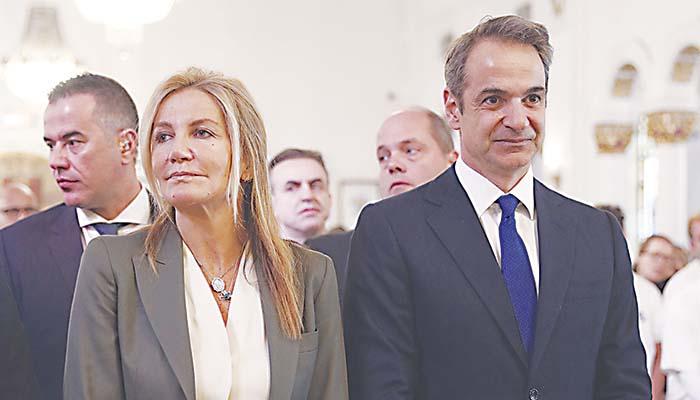 Ο Κυριάκος Μητσοτάκης με τη σύζυγό του Μαρέβα σε ορθόδοξο ναό του Τάρπον Σπρινγκς