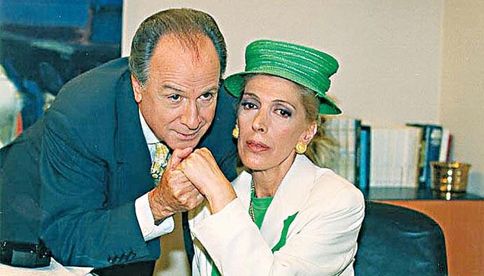 Ο καναλάρχης με την Ντίνα Κώνστα σε σκηνή από τη σειρά «Δυο ξένοι»