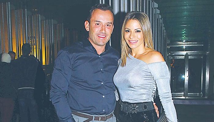 Ο Βασίλης Χήτος με τη σύζυγό του Καρολίνα ντε Σόουζα