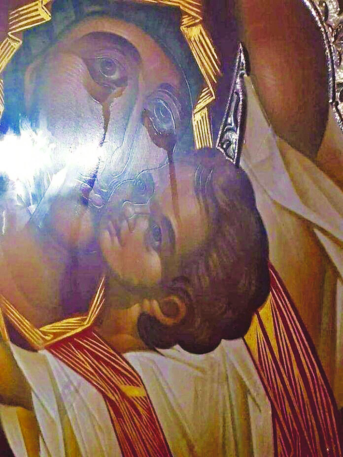 Δάκρυσε η Παναγία - Μέγα θαύμα την ώρα που οι εχθροί ζώνουν από παντού την  Ελλάδα | Espresso