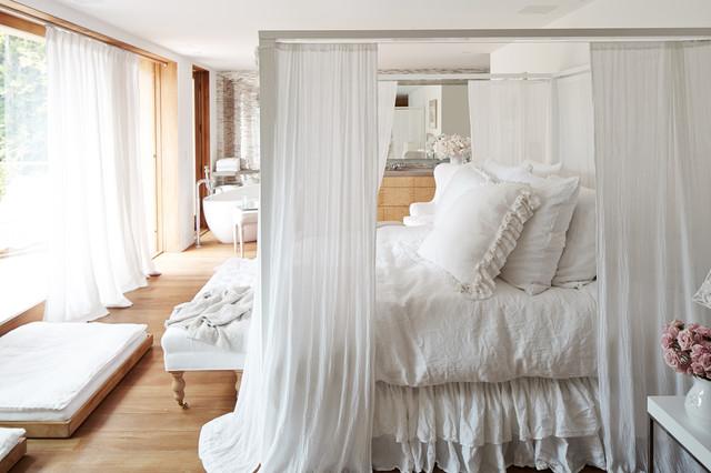 pamela anderson s magincal modern malibu home rachel ashwell shabby chic couture img 67e1a79d05807cae 4 2842 1 4467a48
